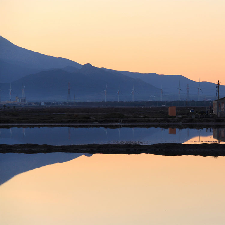 laguna santa gilla tramonto
