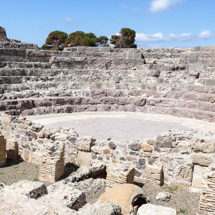 nora sardegna anfiteatro